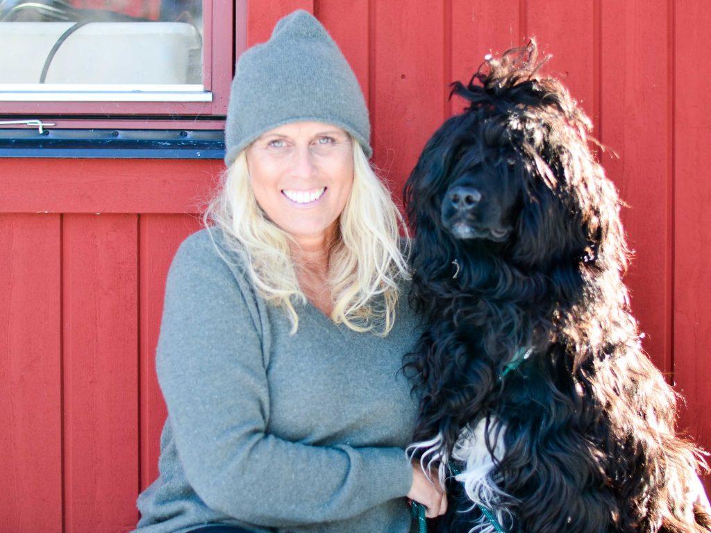 Pernilla Peterson och portugisiska vattenhunden Kenzo